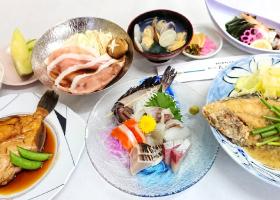 地魚ランチ 3,300円(一例)